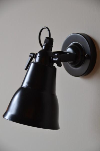 Wandlampe aus Metall schwarz